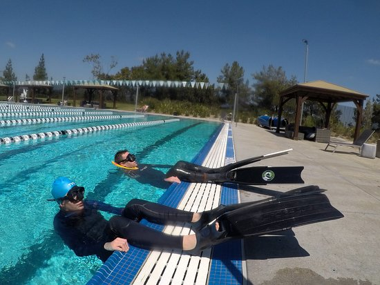 Dive California PADI Freediver course pool training for equalization