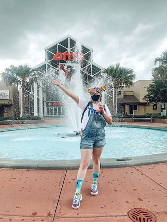 Feeling safe at Disney springs during the pandemic! Wear your mask.