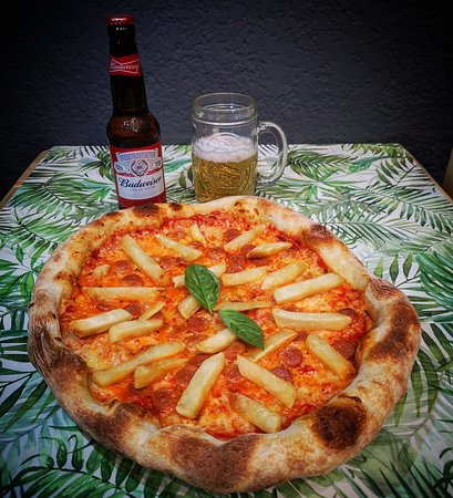 🍕🇮🇹 Americana: Salsa de Tomate, mozzarella, salchicha, papas a la francesa🍟