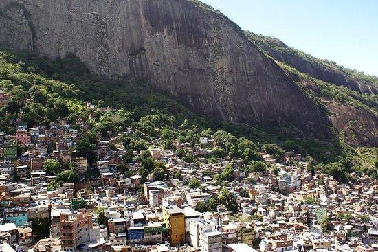 Fotografia de Excursão na favela da Rocinha e Floresta tropical da Tijuca em Jeep