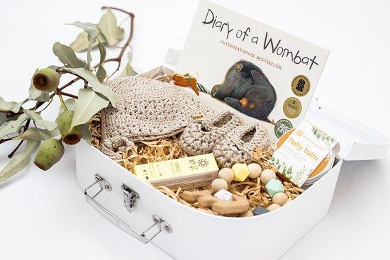 Gold Coast (Altın Sahil), Avustralya: Neutral baby gift box full of natural essentials for a brand new bub.