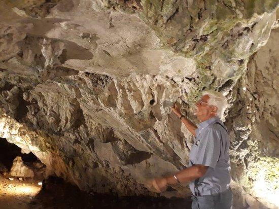 Al Dawayat Cave