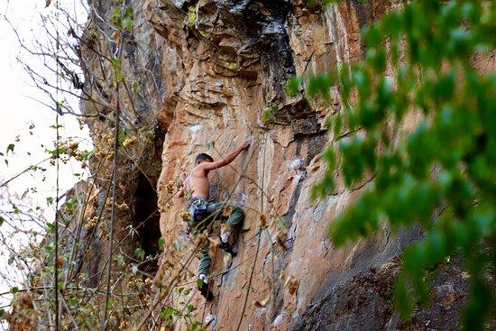 Bravos Climbing