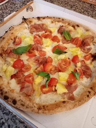-Mozzarella di bufala -Patate lesse -Pancetta -Pomodorini freschi