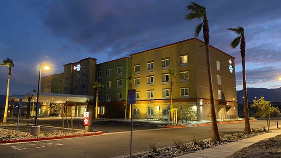 Best Western Plus Desert View Inn & Suites