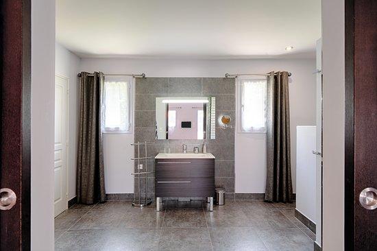 Salle de bain avec sauna - Chambre Pierre LOTI