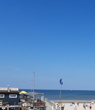 Strand opgang Sint Maartenszee