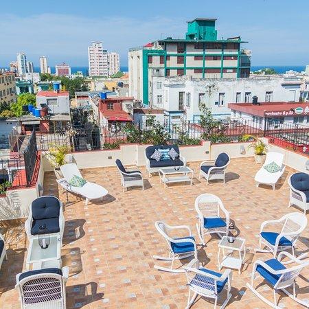 Havana, Cuba: Nuestra Terraza. Lugar ideal para disfrutar del sol y la vista.