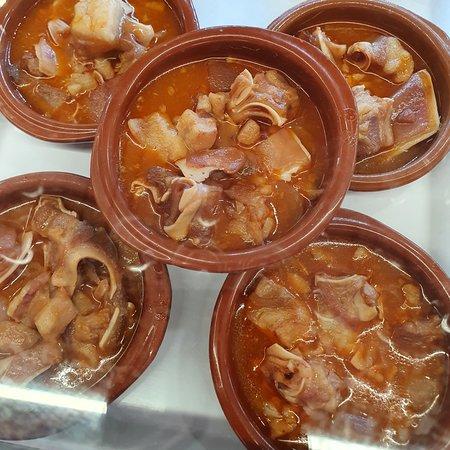 Orejas en salsa
