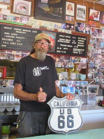Newberry Springs, Kalifornia: Le propriétaire, très accueillant