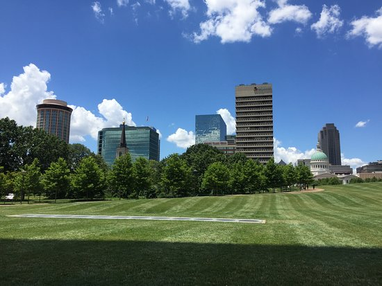 view of skyline from the Archway Park