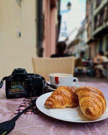 Au Croissant Dore
