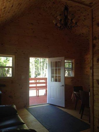 Main Brook, Canadá: Inside one of the Cabins at the park