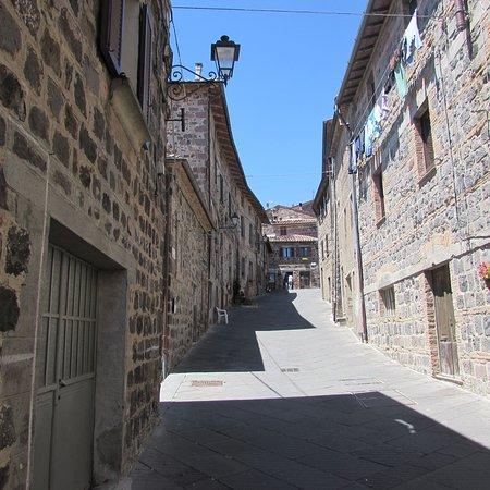 la via principale