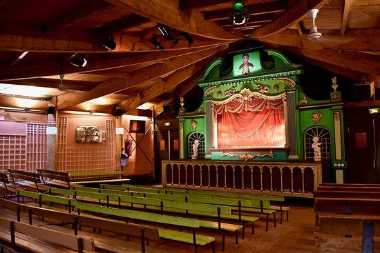 Marionnettes Du Champ De Mars - Le Théâtre Des Marionnettes Parisiennes