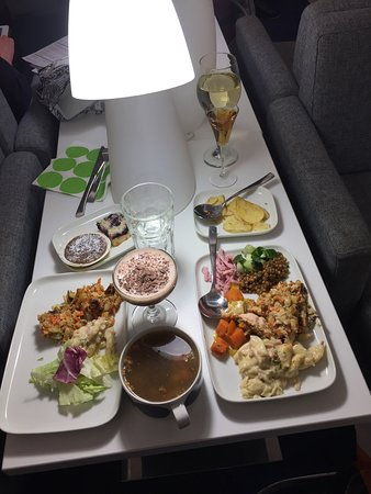 Champagne and food on Finnair business class.