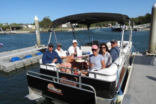 Family reunion at South Stradbroke Island on CruiseMe
