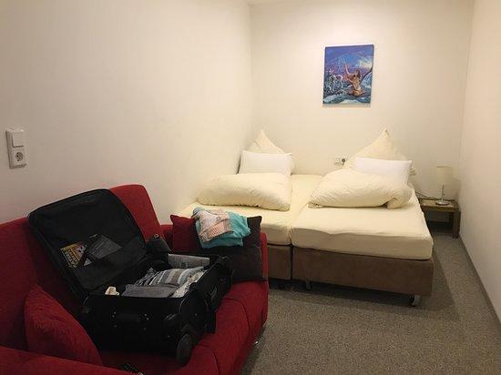 Zweiter Raum im Familienzimmer, allerdings ohne Fenster.