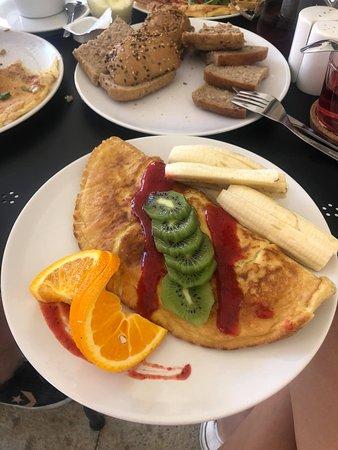 omlet owsiany z owocami