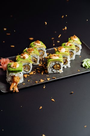 80's Roll. - Tempura Red Shrimp, Spicy Mayo, Avocado and Onion Grain. Contemporary Food & Cocktails High quality food