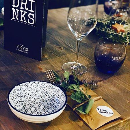 PUCKIS kitchen & bar gedeckter Tisch