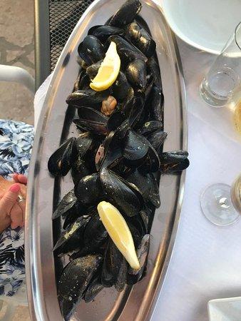 Wunderschöne Zeit, super nette Leute, perfekter Service hier in Lumbarda im Restaurant Marko Polo. Wir sind zu Hause angekommen. 👍👍👍