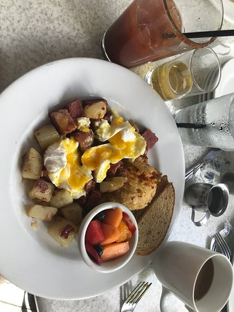 Corned Beef Hash w/Poached Eggs - delicious!