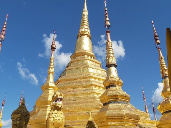 Паттайя, Таиланд: ไห้วหลวงพ่อทันใจที่อำเภอบ้านตากจังหวัดตาก