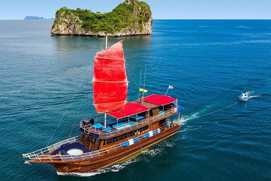 Private Full-Day Red Dragon Yacht for Snorkeling Koh Tan & Visit Pink...