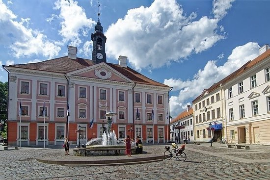 """Guided tour """"Love stories of Tartu"""""""