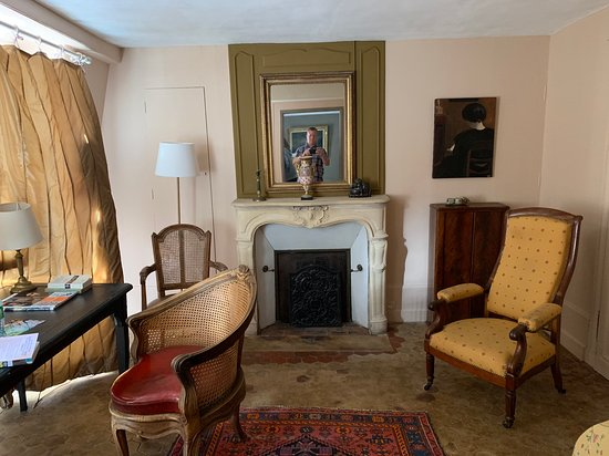 The sitting area of the larger of the two bedrooms in the family suite.