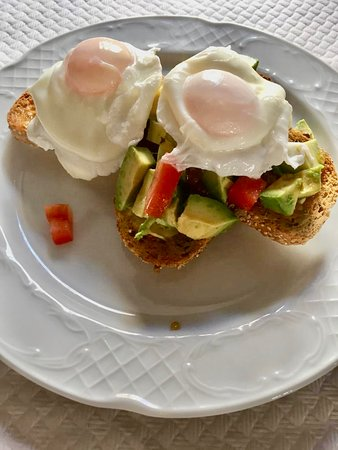 Want something health no problem we have avocados and poached eggs 🥑🥚 💚