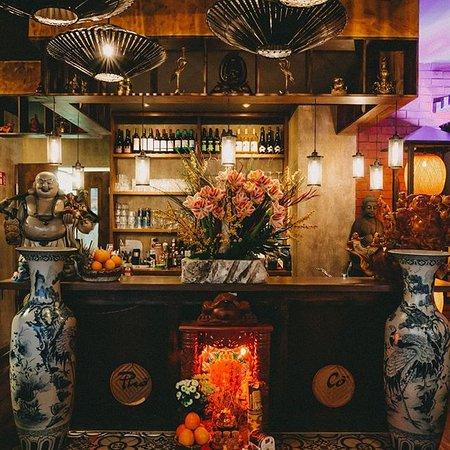 Wir möchten euch einen Einblick in die Kultur Vietnams ermöglichen und haben unser Restaurant so authentisch wie möglich gestaltet, um euch einen Kurzurlaub mitten in Berlin zu bieten