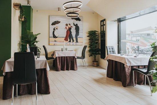 Amplios salones en Sapore Italia.