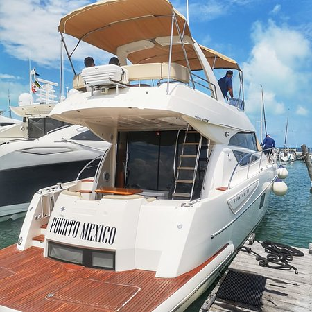 Cancun Yacht for Rent Frances 50ft Flybridge Yacht in Cancun. Yacht length: 50 feet Capacity: 15 people Yacht rental: 6 hours Rental price: USD$ 950