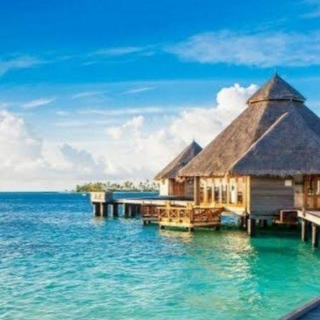 האיים המלדיביים: THE MALDIVES will welcome tourists once again on July 15, after being forced to close their borders during the pandemic.