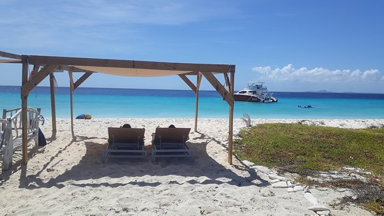 Willemstad, Curazao: The loungebeds that are available for our guests and shade.