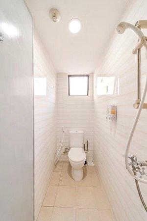 Single Room Shared Bathroom