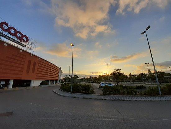 Centro Commerciale Fonti Del Corallo