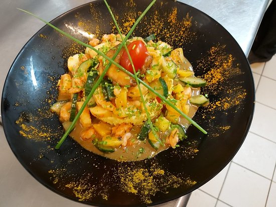 Salade de riz haïtienne retravaillée.