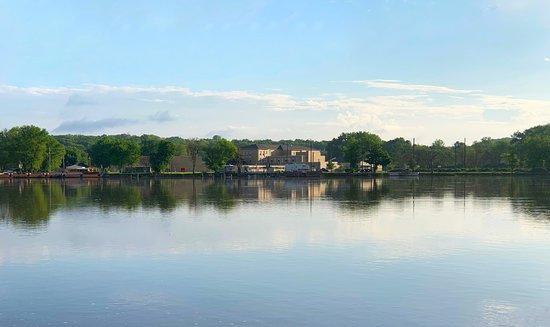 Marseilles, אילינוי: Illinois River in Marseilles, IL