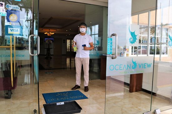 Control de higiene en la recepción del hotel