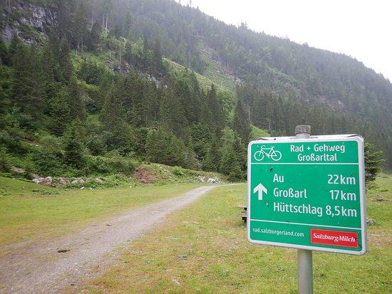 Rad - und Gehweg Großarltal