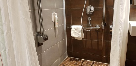accessible wetroom