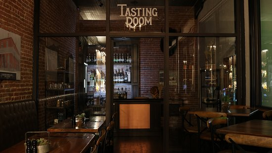Etna, CA: Denny Bar Co. Tasting Room