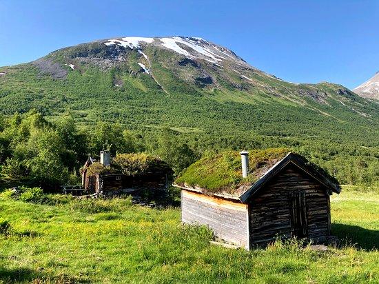 Innfjorden, Norveška: Røsta, Bøstølen