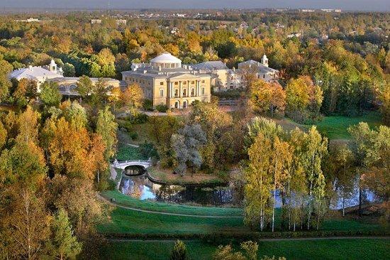 巴甫洛夫斯克宫殿及公园