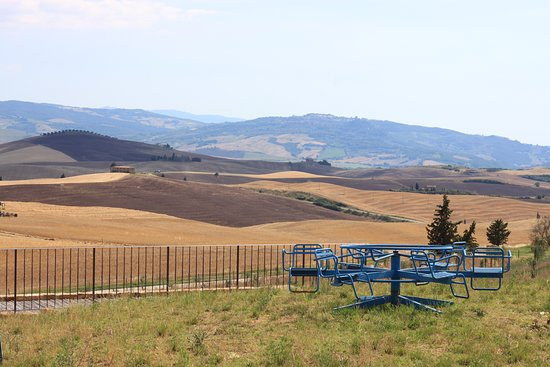 Wine tastings and your own playground wih Val d'Orcia view