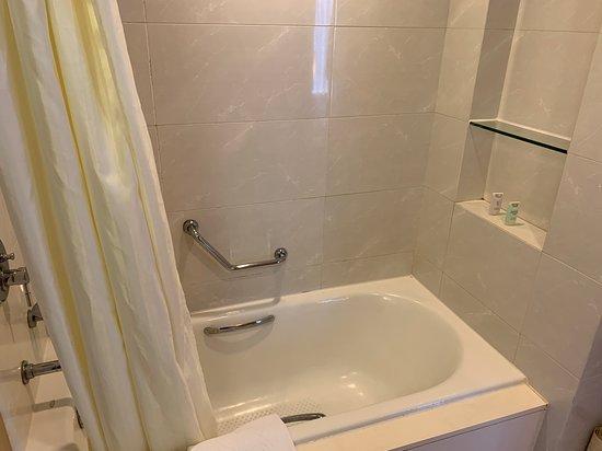 Cozi Suite - 超小一個浴缸