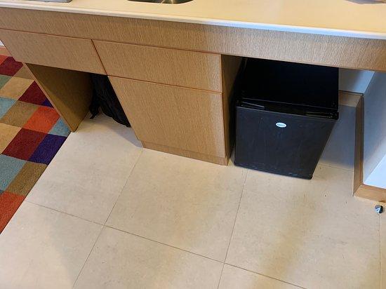 Cozi Suite - 進門口處的小型廚房